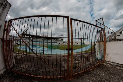 Puerta de entrada al Estadio Panamericano.